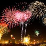 4K動画などの夏の花火大会の打ち上げ花火の動画が人気のイメージ画像